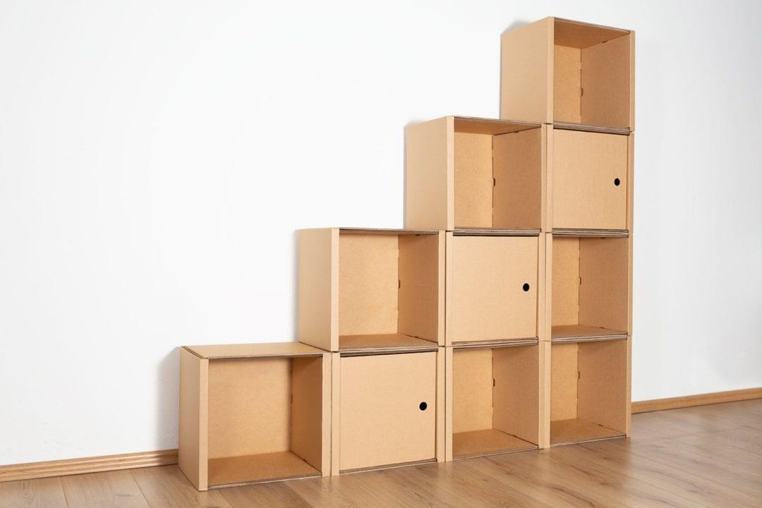 Stufenregal groß - 3 Türen / natur von Room in a Box