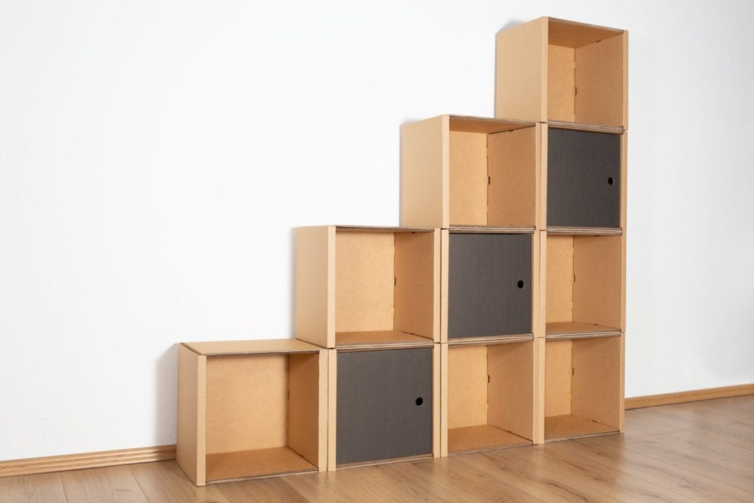 Stufenregal groß - 3 Türen / schwarz von Room in a Box