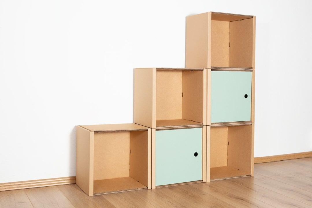 Stufenregal klein - 2 Türen / salbei von Room in a Box