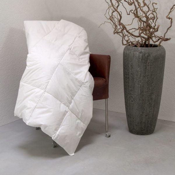 """Daunen-Ultraleicht-Bettdecke """"Ansara-Superior"""" - 220x240 cm von allnatura"""