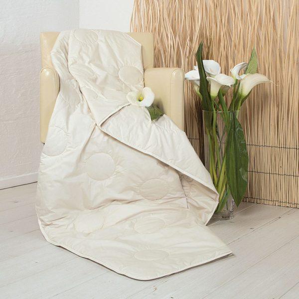 """Seiden-Ultraleicht-Bettdecke """"Seta"""" - 160x210 cm von allnatura"""