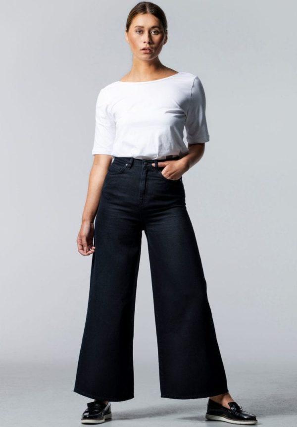 Damen Jeans BARLERIA Wide Cropped Schwarz von LovJoi