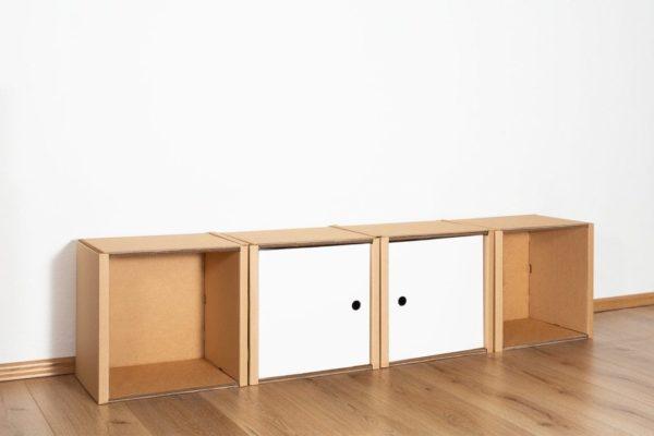 Regal 1x4 - 2 Türen / weiß von Room in a Box