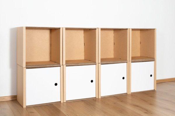 Regal 2x4 - 4 Türen / weiß von Room in a Box