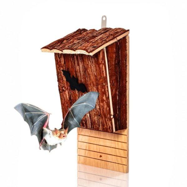 Rustikale Fledermaushöhle aus Naturholz in schöner Optik von Skojig