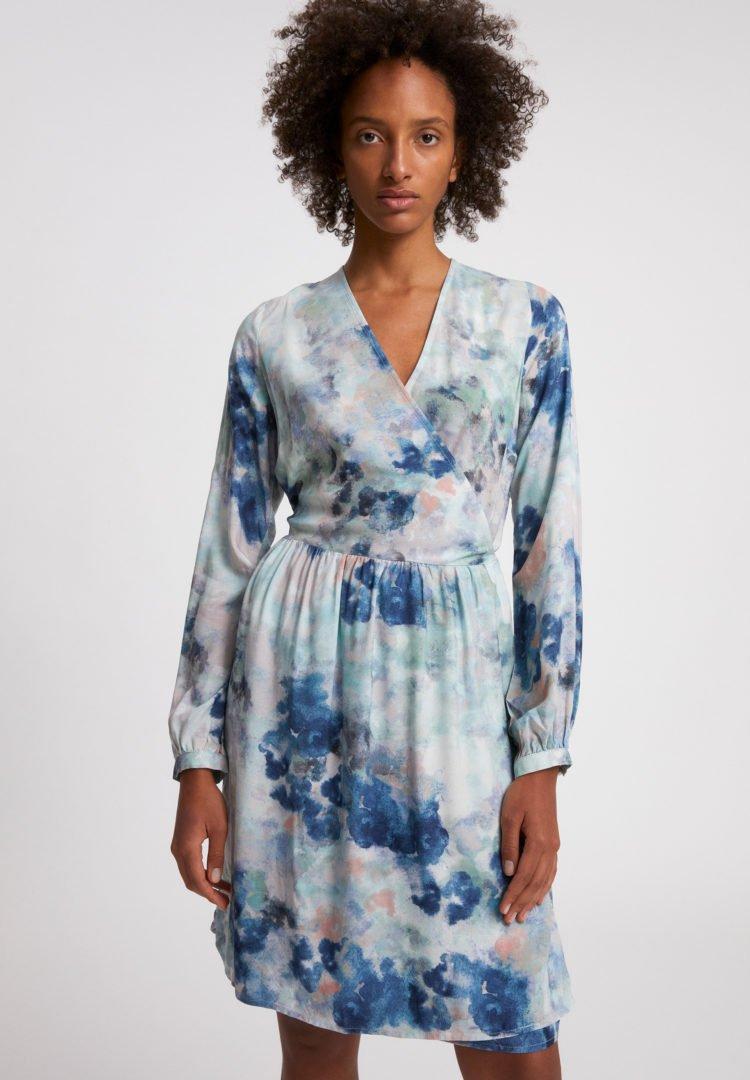 Kleid Elvinaa Watercolors In Foggy Blue von ArmedAngels