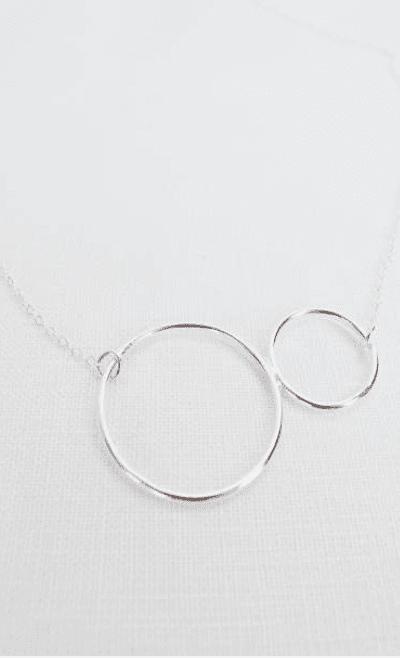 Double Circle Silberkette von Wild Fawn