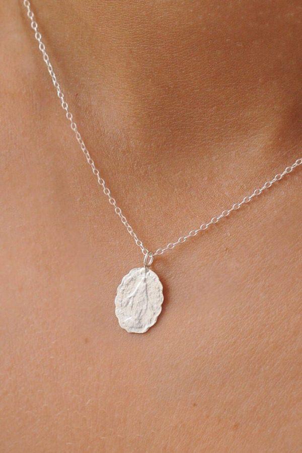 Scalloped Pendant Kette Silber von Wild Fawn