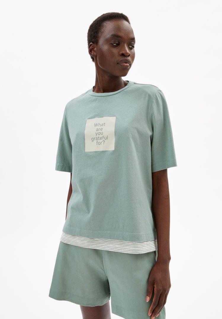 T-shirt Layaa Diary In Eucalyptus Green von ArmedAngels