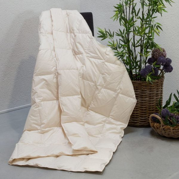 "Daunen-Ultraleicht-Bettdecke ""Ansara-Organic"" - 200x200 cm von allnatura"