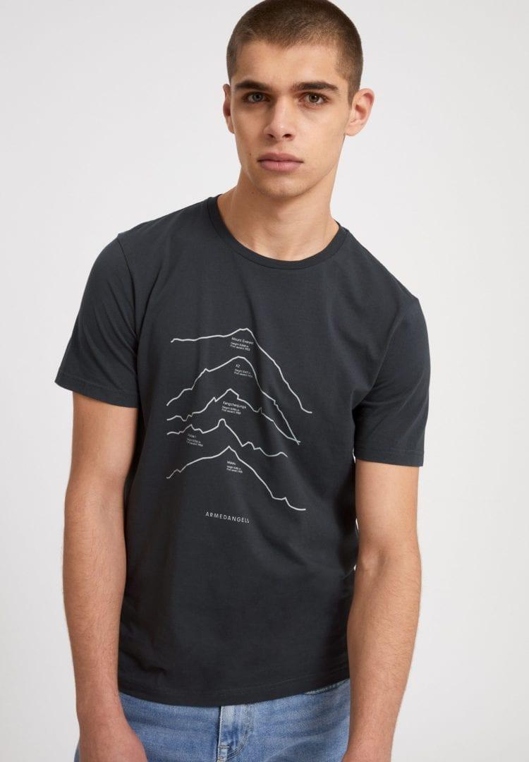 T-shirt Jaames Top 5 Mountains In Acid Black von ArmedAngels