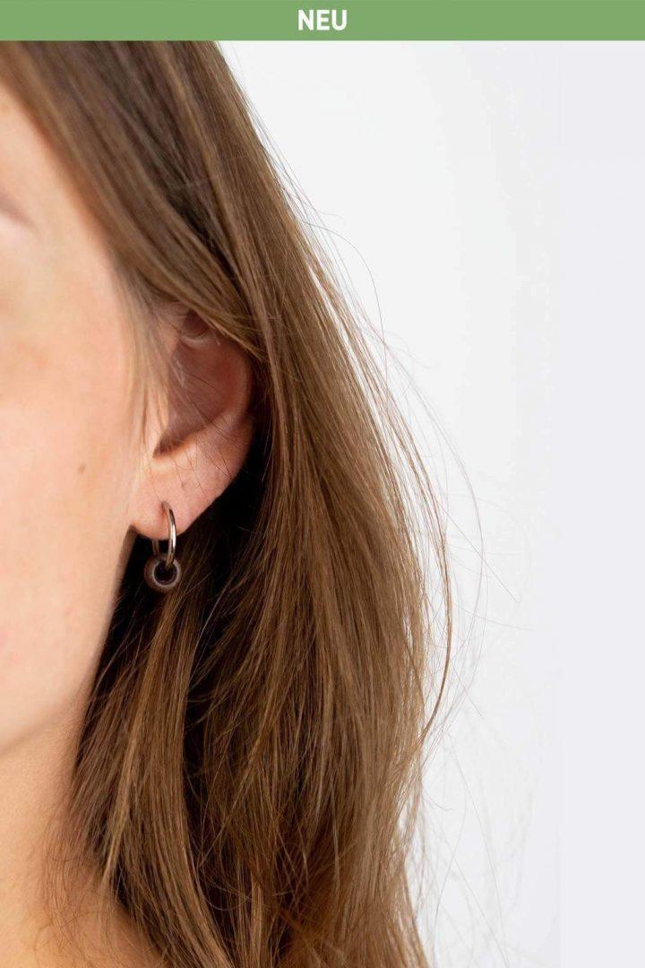 Schmuck Donut Earring - Walnut Silver von Kerbholz